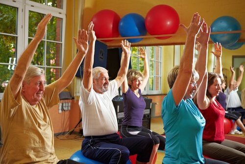 Benefits of senior centers exercise classes.jpg